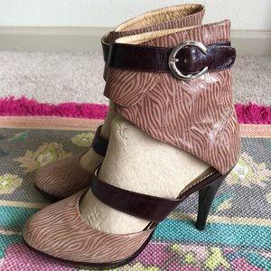 Van Greg Colombia Ankle Buckle Wrap Leather Heels